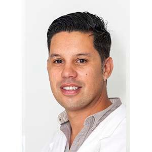 Dr. Roberto Hernández Torres
